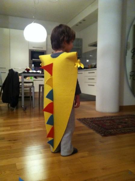 costruire costume da dinosauro