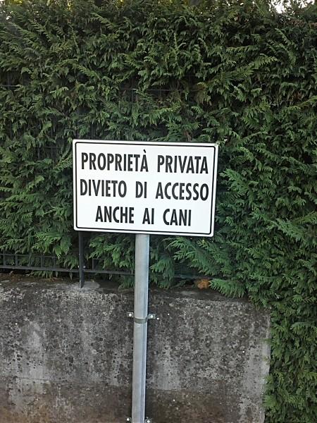proprietà privata divieto di accesso anche ai cani