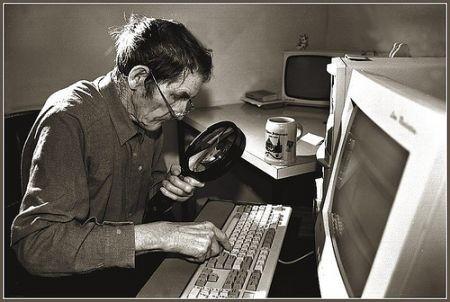 anziano-computer-informatica